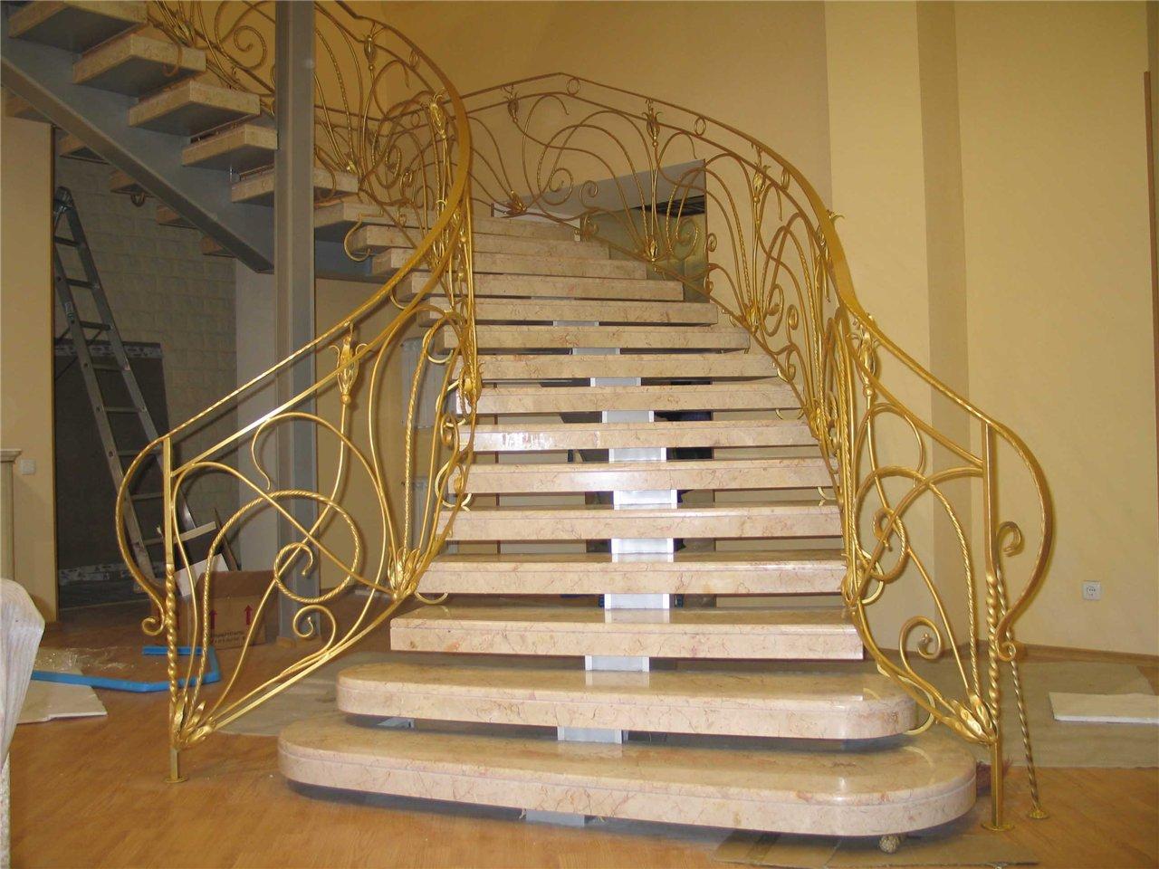 0182 monolit %название. монолитная лестница с коваными перилами.